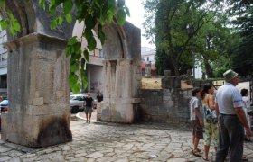 Ворота в хорватском городе Пула